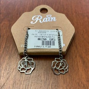 Jewelry - Silver Rose Pattern Earrings NWT